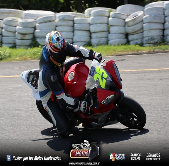 TRACK DAY ENAJENADOS RACING CLUB CON MUCHA ADRENALINA