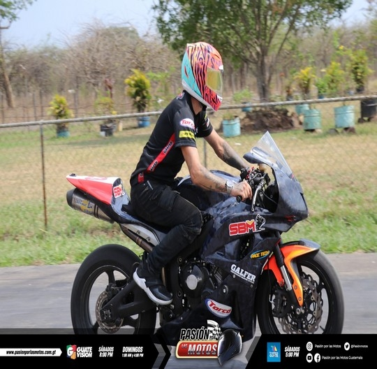 ROCK AND RIDE CARRERAS DE MOTOS